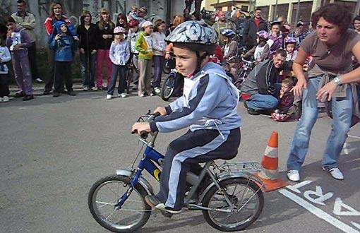 Bicikličokoromobilijada 2009