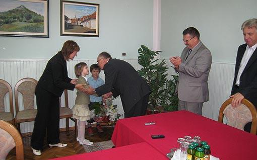 """Čestitke za Dan Grada Ogulina 2009 iz Vrtića """"Bistrac"""""""