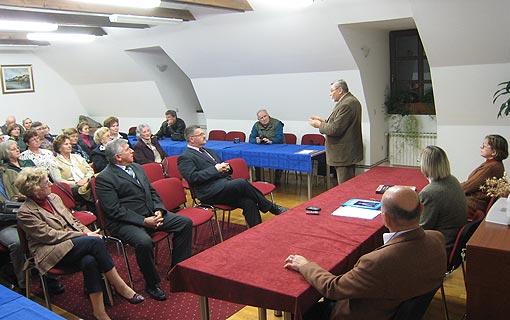 """Priznanja i diplome za vjernost pjevanja u Hrvatskom pjevačkom društvu """"Klek"""" Ogulin"""