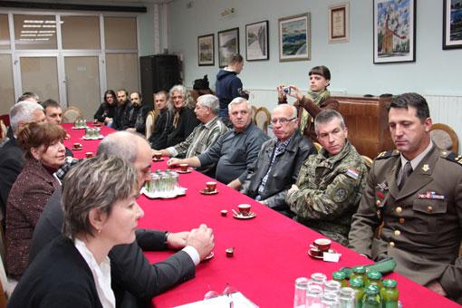 Gradonačelnik Magdić primio jubilarne darivatelje  krvi za 50 i 75 darivanja