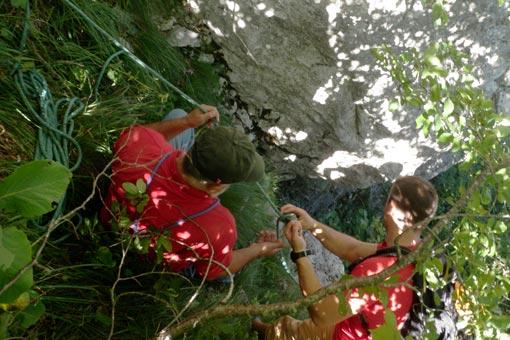 Članovi ogulinskog GSS-a uspješno izveli akciju spašavanja mađarskih planinara  na Kleku