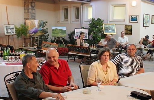 """U atriju Hotela Frankopan otvorena je izložba umjetničkih radova Likovnog društva """"Frankopan"""""""