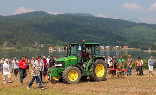 Uz jezero Sabljaci održano je 6. Natjecanje orača Karlovačke županije