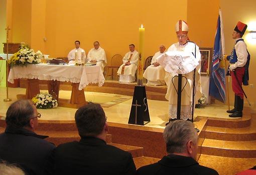 Župljani Župe Sv. Križa bili na svetoj misi u novoj crkvi Bl. Alojzija Stepinca