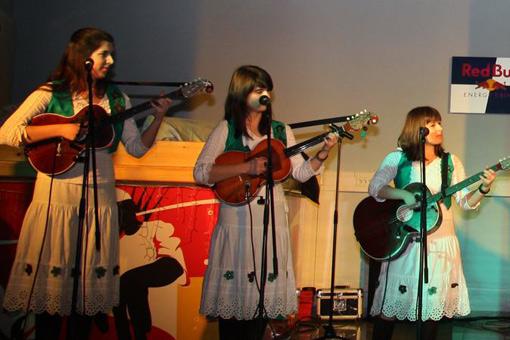 """Humanitarni koncert """"Tamburaška večer"""" skupio sredstva za pomoć u liječenju troje Ogulinaca"""