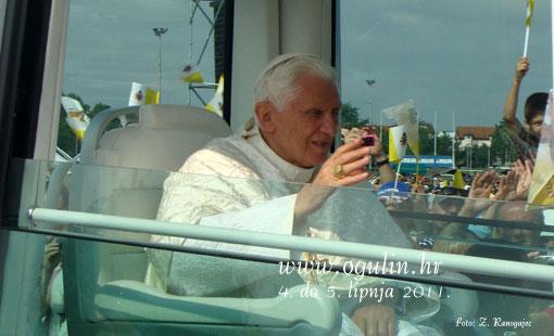 Na susretu s papom Benediktom XVI. i brojni Ogulinci