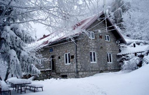 Planinarski dom na Kleku
