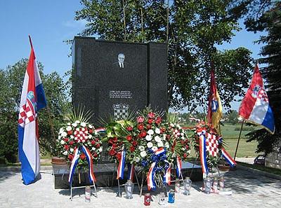 spomenik poginulim hrvatskim braniteljima