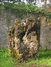 Spomenik poginulima na Kleku